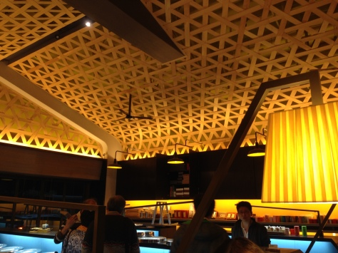Tea Basket-esque ceiling - very appropriate for the theme in this shop & very nice execution! :)
