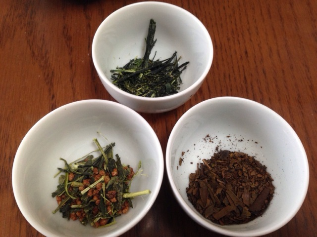 Clockwise from the top : Sencha, Hojicha, Genmaicha